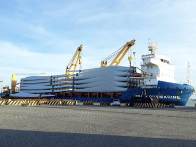 DHL coordena para Vestas maior embarque marítimo de pás eólicas no Brasil