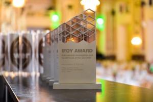 IFOY_trophy-1
