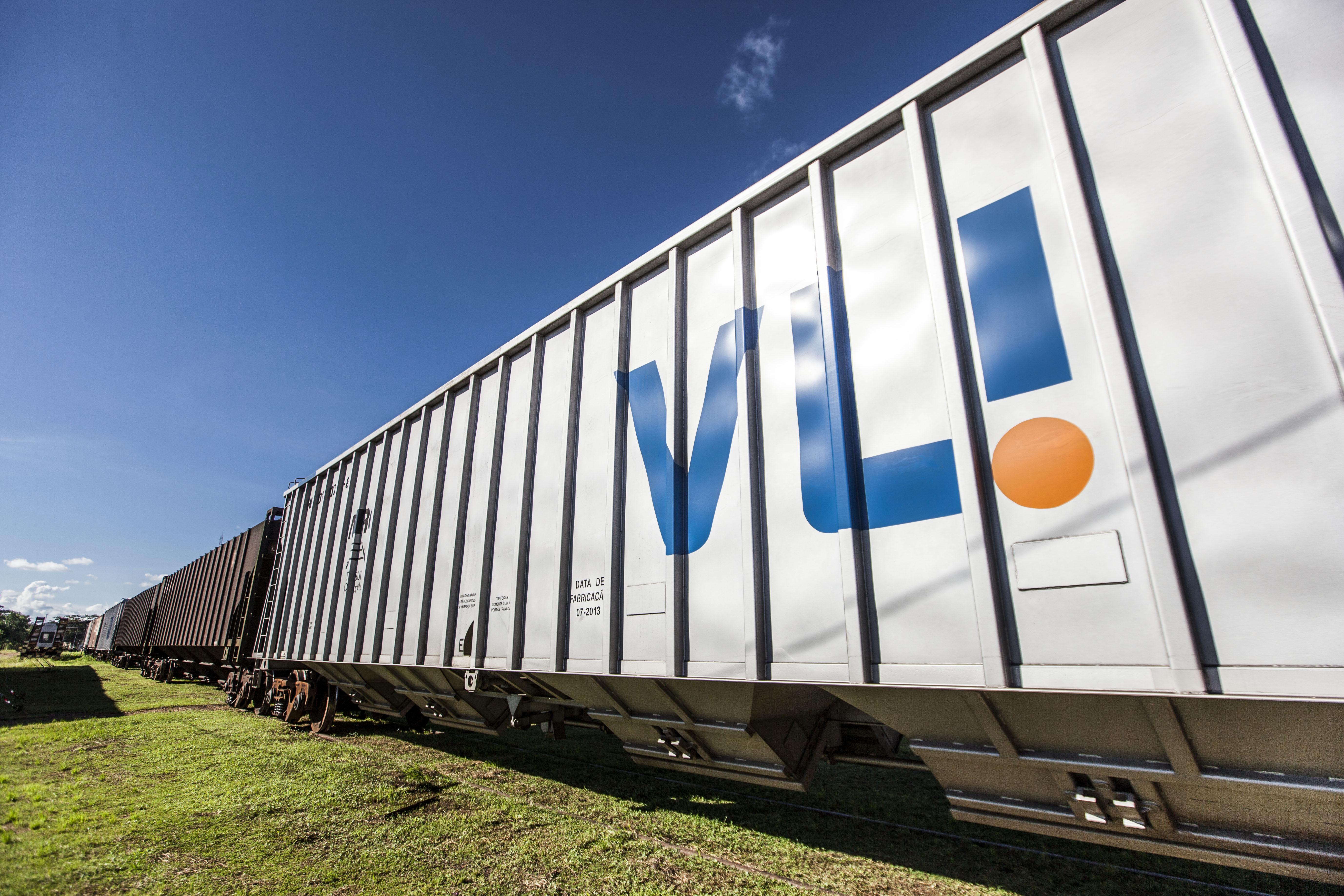 Imperatriz_MA, 19 de maio de 2014 Corporativo / VLI Producao de banco de imagens para a VLI, empresa de logistica que integra ferrovias, portos e terminais com ativos proprios e de terceiros.  Imagens produzidas na unidade de Imperatriz na ferrovia Norte Sul. Foto: NIDIN SANCHES / Divulgacao
