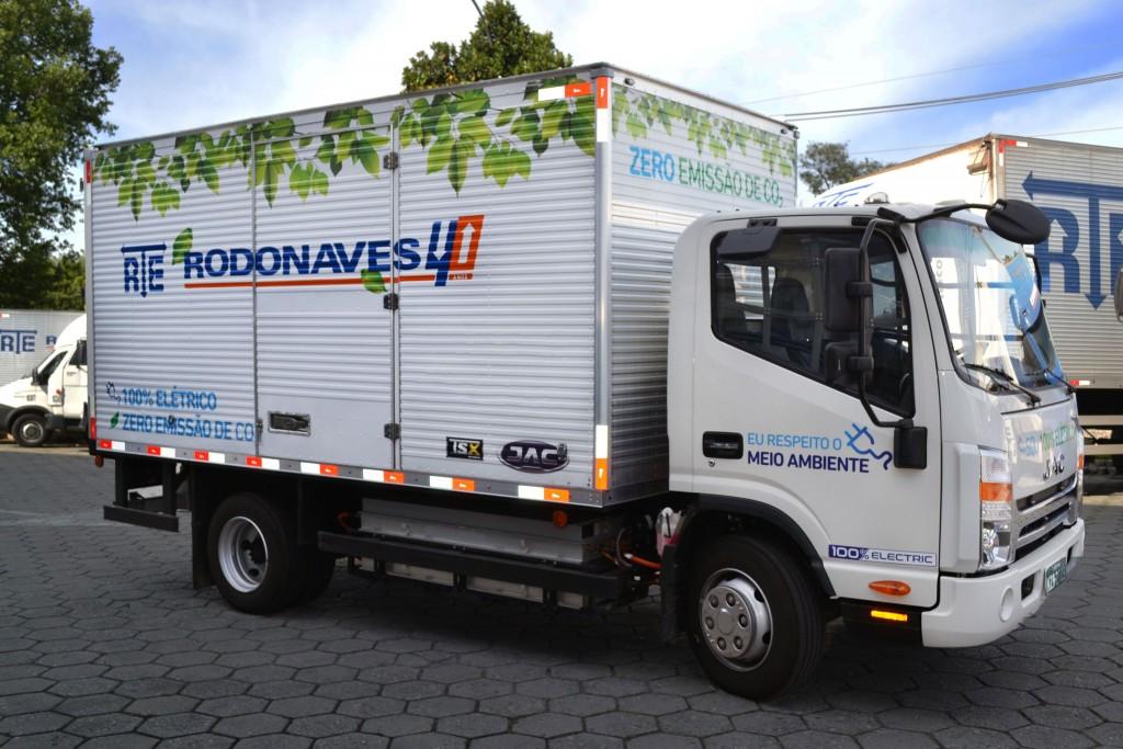 Frota da RTE Rodonaves agora conta com caminhões 100% elétricos