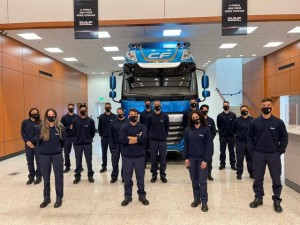 Jovens aprendizes DAF Caminhões Brasil