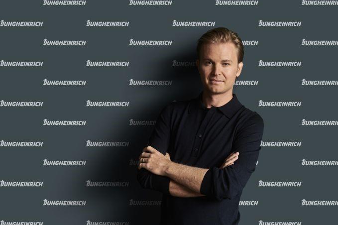 Nico Rosberg torna-se o embaixador da Jungheinrich pela e-mobilidade e sustentabilidade