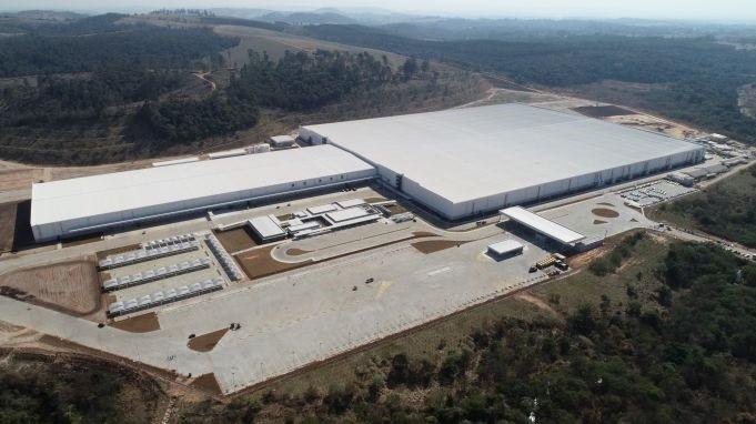 Novo CD da Lojas Renner traz tecnologia de automação inédita para o Brasil com foco em integração omnichannel e sustentabilidade